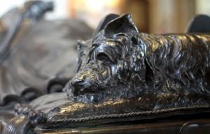 6-funerals-dog